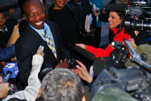 Clarence Moses-EL charms the press corps. Photo: Robert McGoey