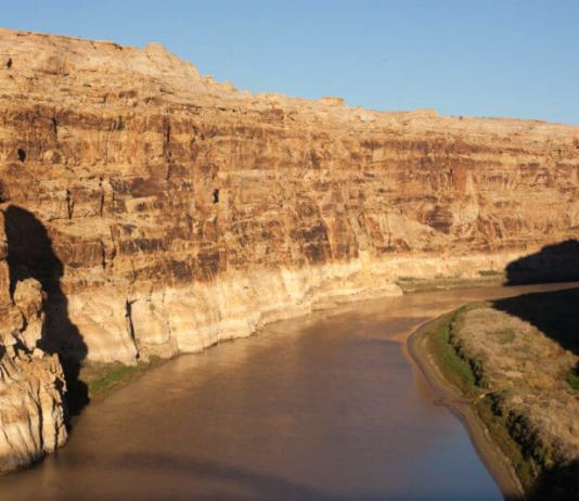 Analysis: Western states buy time with a 7-year Colorado River drought plan, but face a hotter, drier future