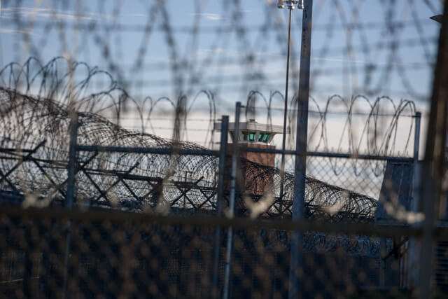 Parole-eligible inmates would be released under new bill — to boost