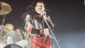 Freddie Mercury, Rio de Janeiro, 1985. (Photo: Richard Young)