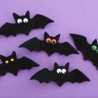 DIY Bat Pin to Make For Halloween