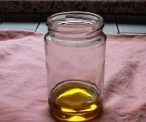 Vasetto con olio