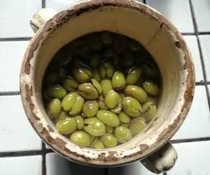 Olive schiacciate sottolio
