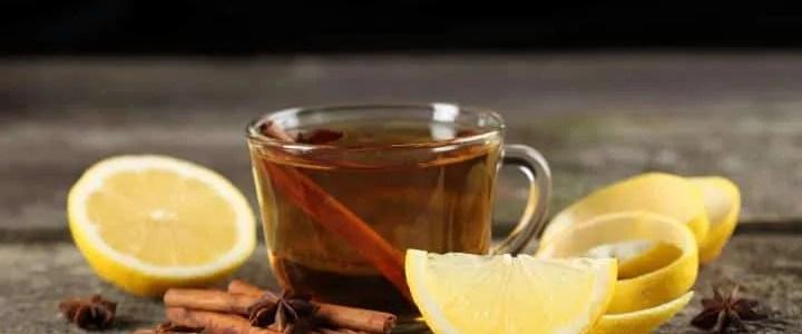 Raffreddore: rimedi naturali con limone, miele e cannella