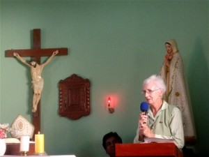 Bridie expresses her gratitude to the people during a Thanksgiving Mass in the Parish of San Martin