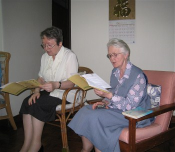 Sisters Ursula and Isobel sing the Responsorial Psalm