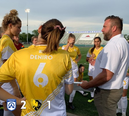 Matt Ogden talks to the Eagles before the club's 2-1 loss to Cleveland on July 2, 2019.