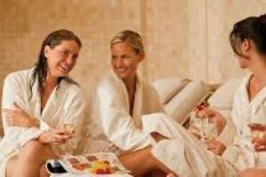 <b>7 notti -Comano Terme Esclusive Terme</b> Hotel 4 stelle un trattamento al giorno <b>€ 846</b>