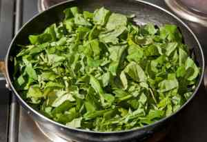 cocinando espinacas