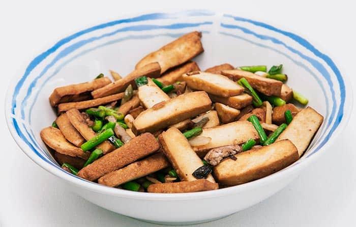 vegetales chinos salteados con tofu ahumado
