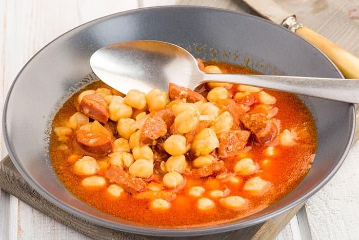 receta de garbanzos con chorizo