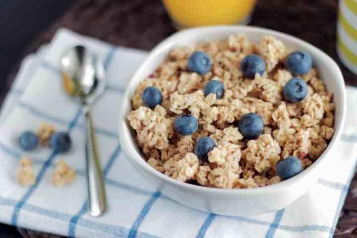 plato con cereales y avena