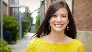 Book or hire financial speaker Rachel Cruze
