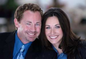 Agent and agency for booking or hiring Michael and Amy Duelling Pianos comedy act