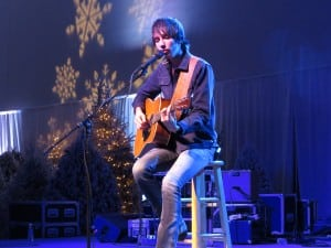 Book or Hire Mo Pitney Country Music Singer