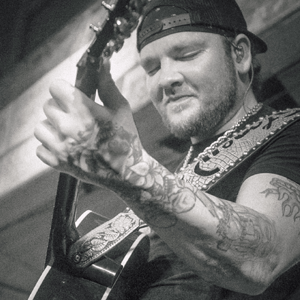 Stoney LaRue booking agent