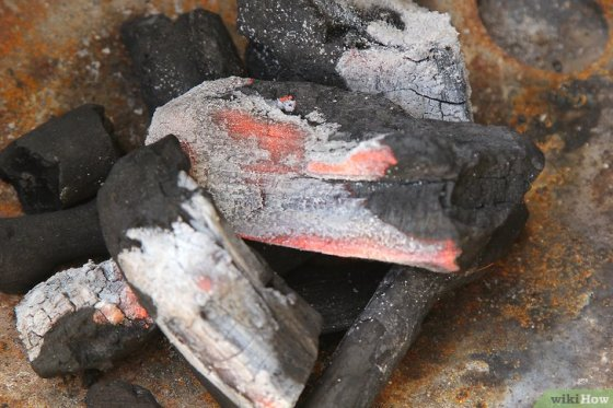 Immagine titolata Create a Strong Burning Charcoal Fire Step 5Bullet1