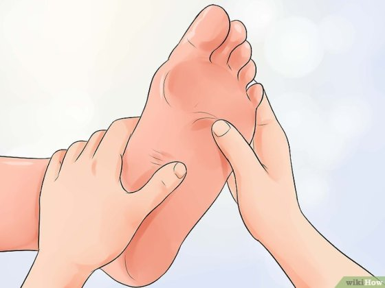 Immagine titolata Use Reflexology to Relieve Chest Pain Step 1