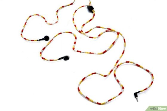 Immagine titolata Make Tangle Free Headphones with Embroidery Floss Step 11