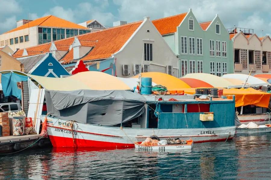 Floating Market Willemstad Photo Spots