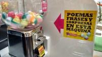 Por sólo una moneda, un poema y una sorpresa