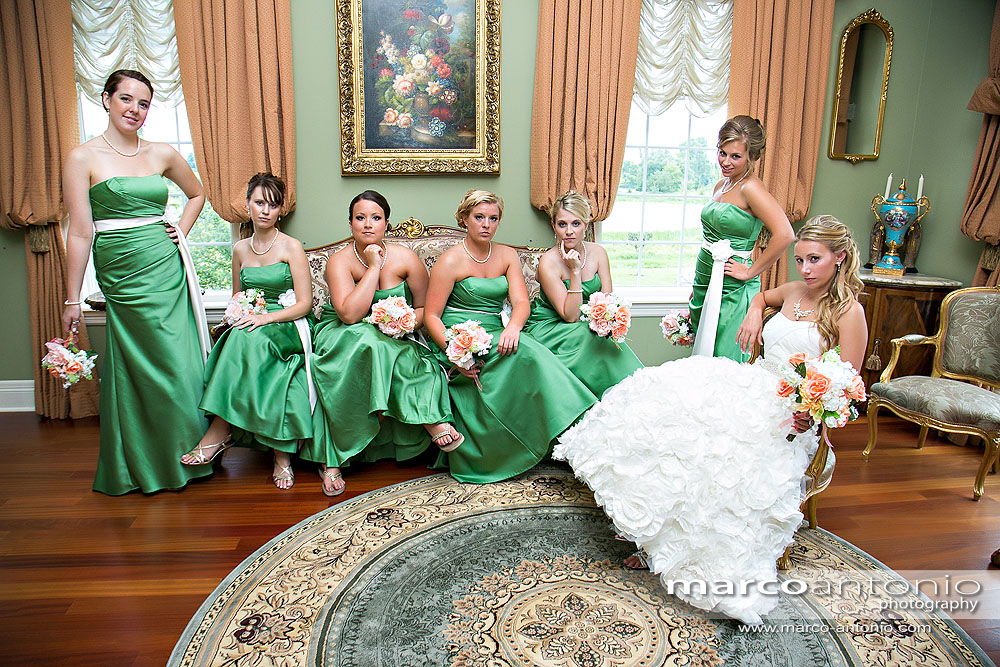 This is how you take a Bridesmaid Picture!