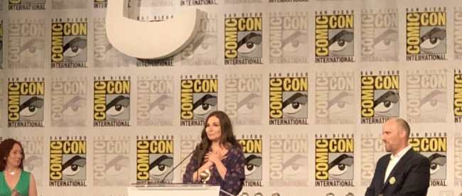 Marjorie Liu Wins Eisner Award at SDCC 2018