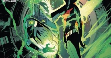 Batman Beyond #40 cover by Lee Weeks
