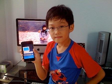 kid_iphone.jpg