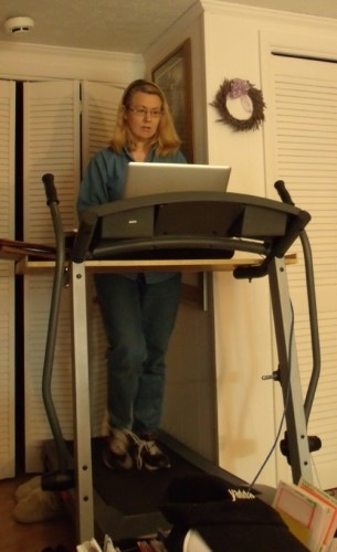 Treadmill-desk-1-305x500.jpg