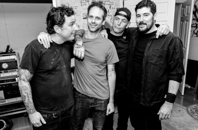 The-Bouncing-Souls-640x420