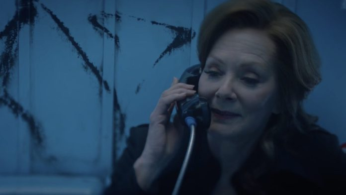 Interview Jean Smart Watchmen
