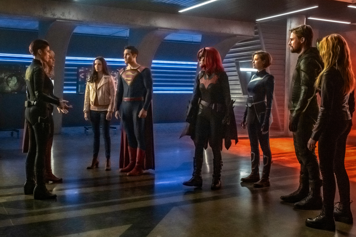 New Arrowverse CRISIS spots tease Harbinger, Pariah, and the deaths of Supergirl and The Flash