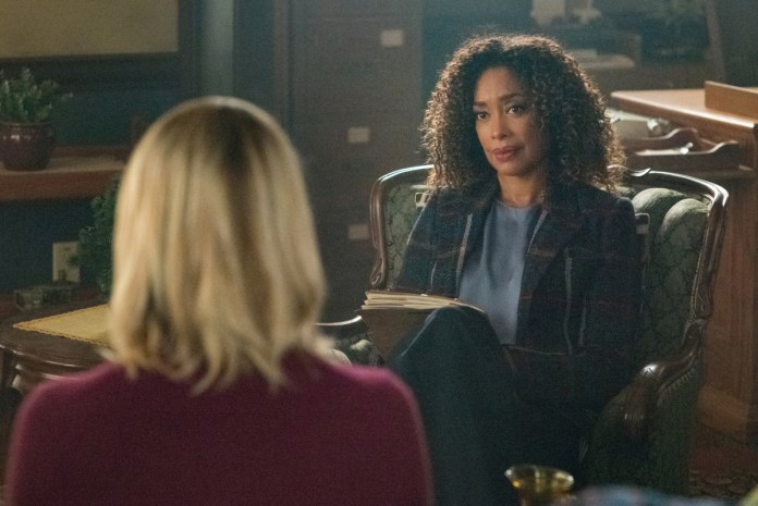 Special guest Gina Torres on Riverdale
