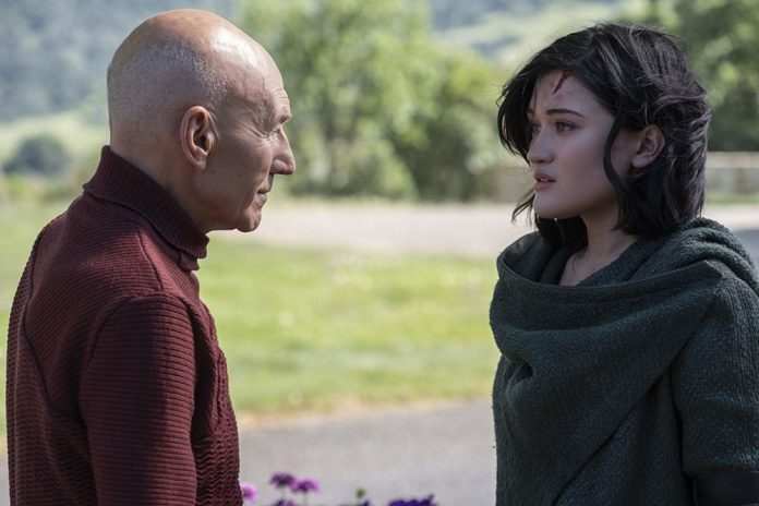 """Picard and Dahj, talking outside of Starfleet Picard S1E1 - """"Remembrance"""""""