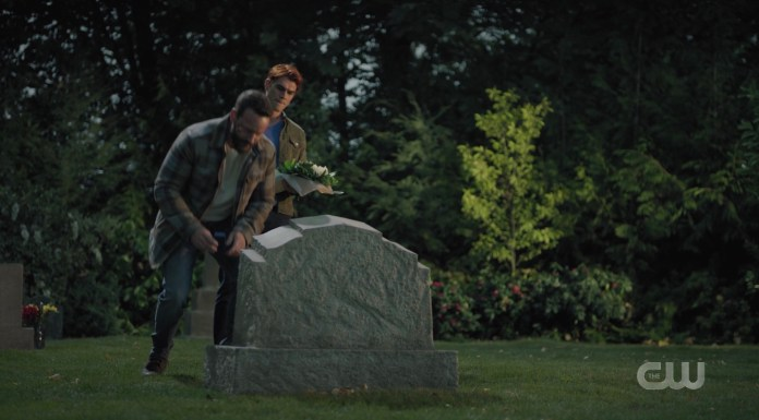 Archie and Frank visit Fred's grave at Riverdale cemetary