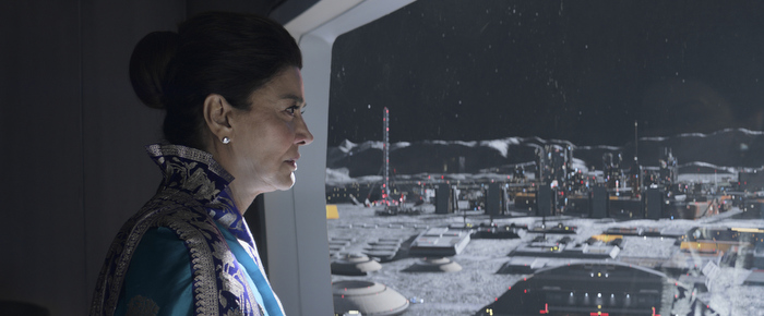 Chrisjen Avasarala (Shohreh Aghdashloo) ponders the future of her planet in