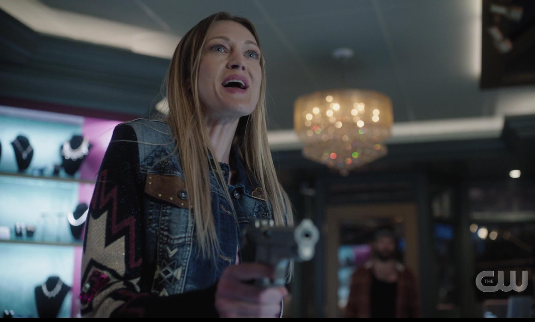 Darla Dickerson robs Veronica's Riverdale jewelry store