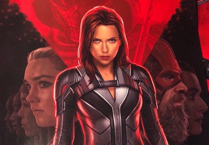 Black Widow, il nuovo poster e il costume bianco di Vedova Nera