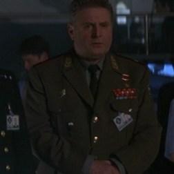 Colonel Bukarin Demain ne meurt jamais (joué par Terence Rigby)