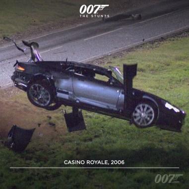 Les tonneaux de l'Aston dans Casino Royale