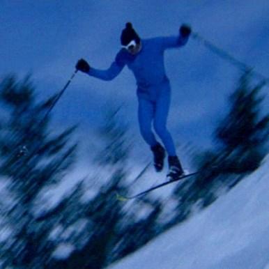 De belles figures malgré un seul ski