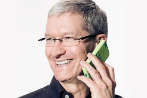 Tim-Cook-gay-smarthpone
