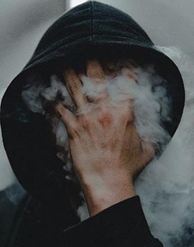 Comment arrêter de fumer ? Commencez par combattre votre dépendance mentale au tabac grâce à l'hypnose.