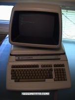 Commodore-c710-PET-front