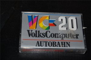 commodore-VC20-volkscomputer-cartridge-autobaun