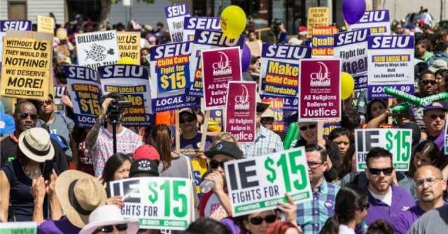 """""""After decades of stagnant wages, most low-income workers are now struggling to get by on poverty wages,"""" the report—titled Reversing Inequality: Unleashing the Transformative Potential of an Equitable Economy—notes. (Photo: SEIU Local 99/flickr/cc)"""