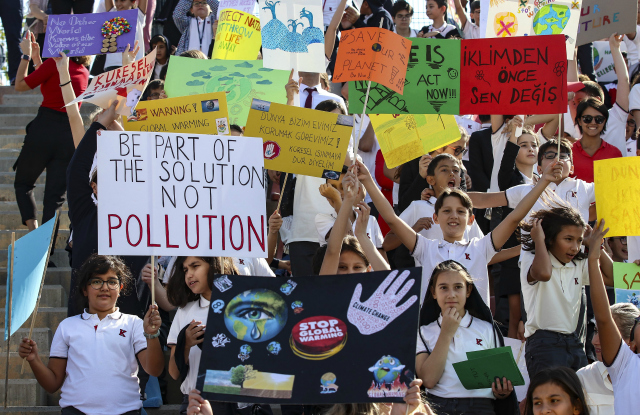Thousands of Turkish students, holding banners and posters take part in the global climate strike held to draw the attention of global climate change, on September 20, 2019 in Ankara, Turkey. (Photo: Esra Hacioglu/Anadolu Agency/Getty Images)