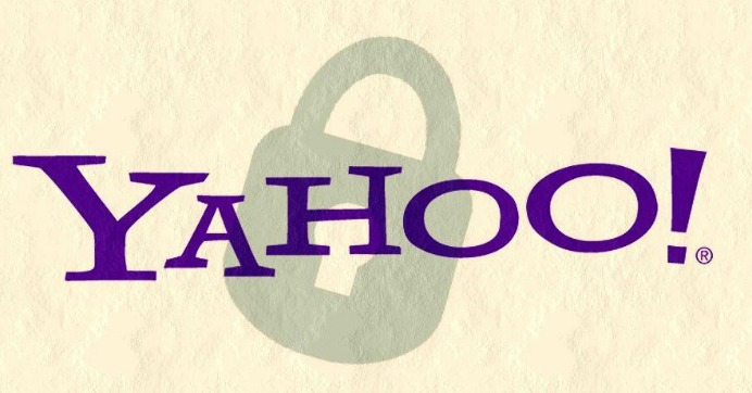 Snowden and others react to new allegations that Yahoo scanned all of its customers incoming emails last year on behalf of the government. (Image: Esther Vargas/flickr/cc)