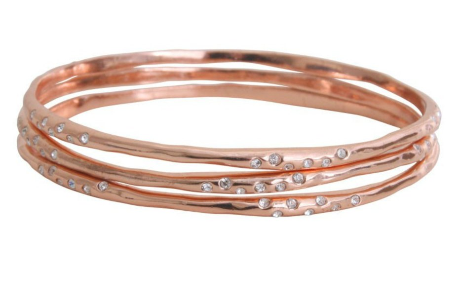 Do magnetic or copper bracelets help with arthritis pain?